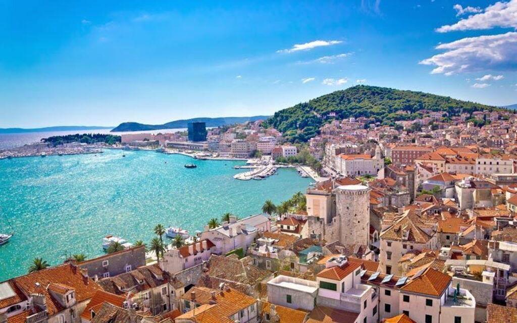 Holiday Rentals in Split-dalmatien  Croatia villas