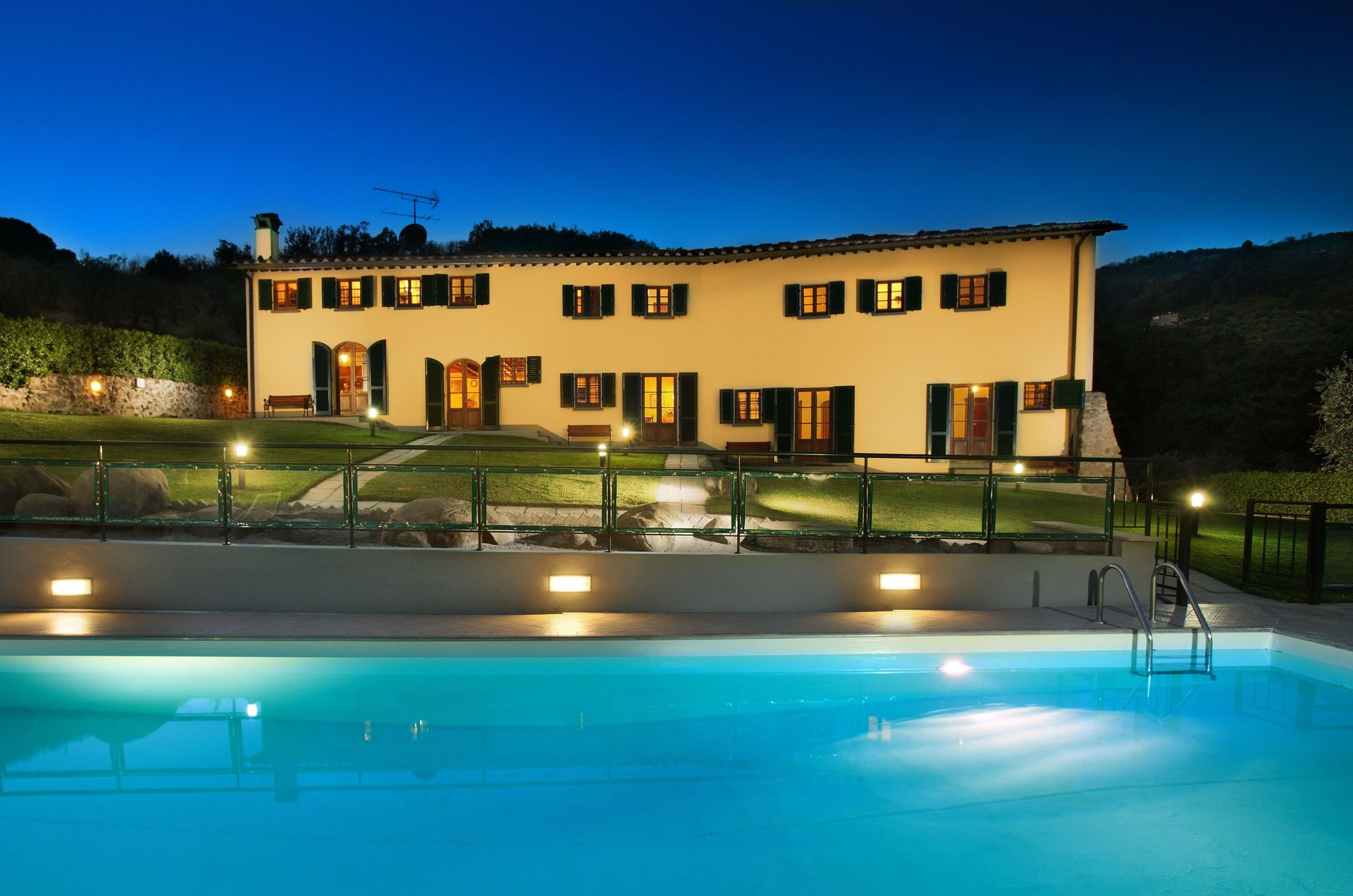 Rent a property in Massa