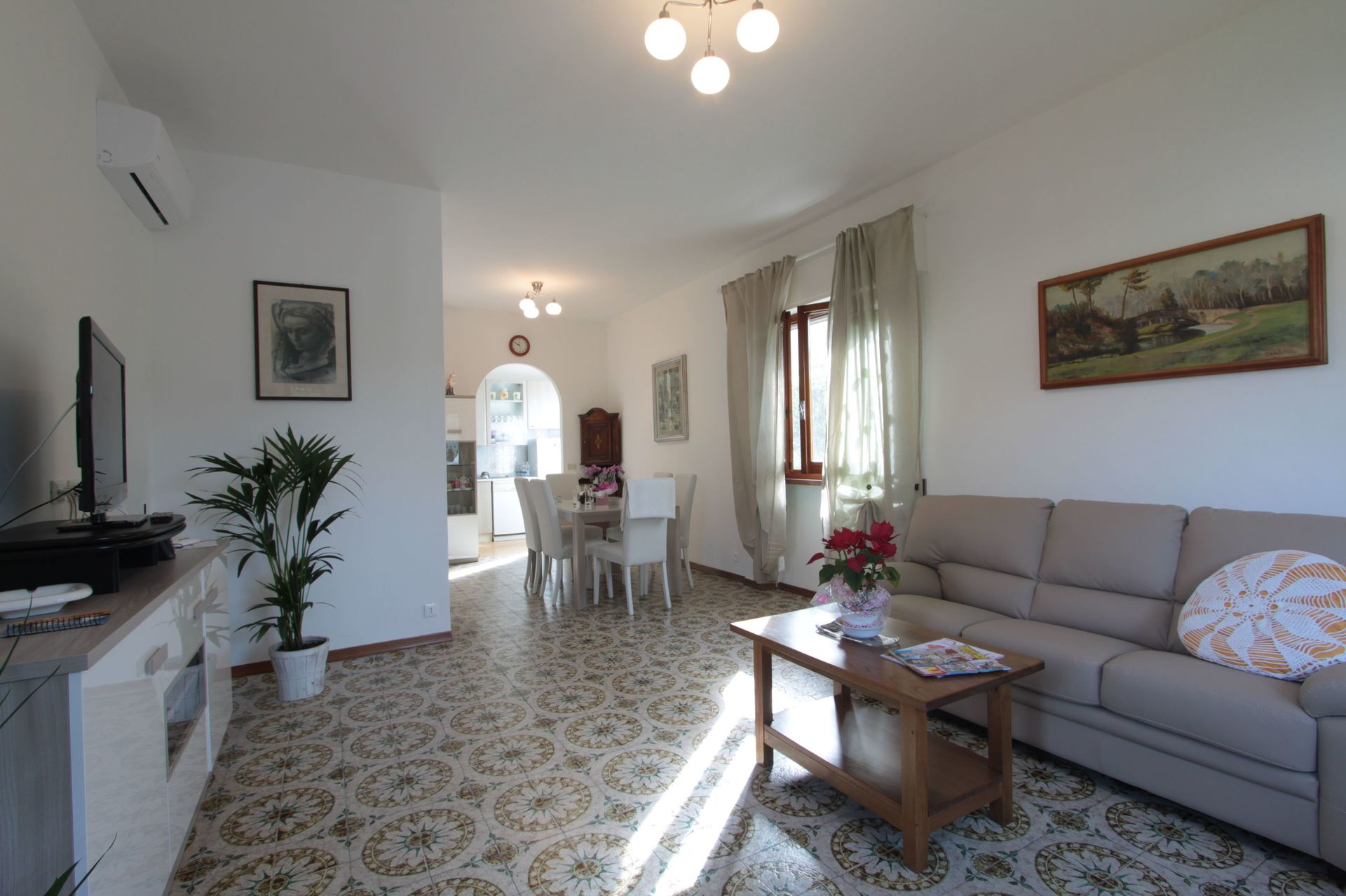 Italian Case Forte Dei Marmi villa sandra: vacation rental that sleeps 6 people in 3