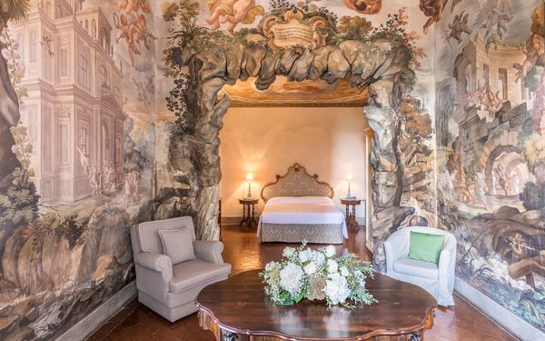 Woodland Letti A Castello.Montegufoni Vacation Rental That Sleeps 165 People In 71 Bedrooms