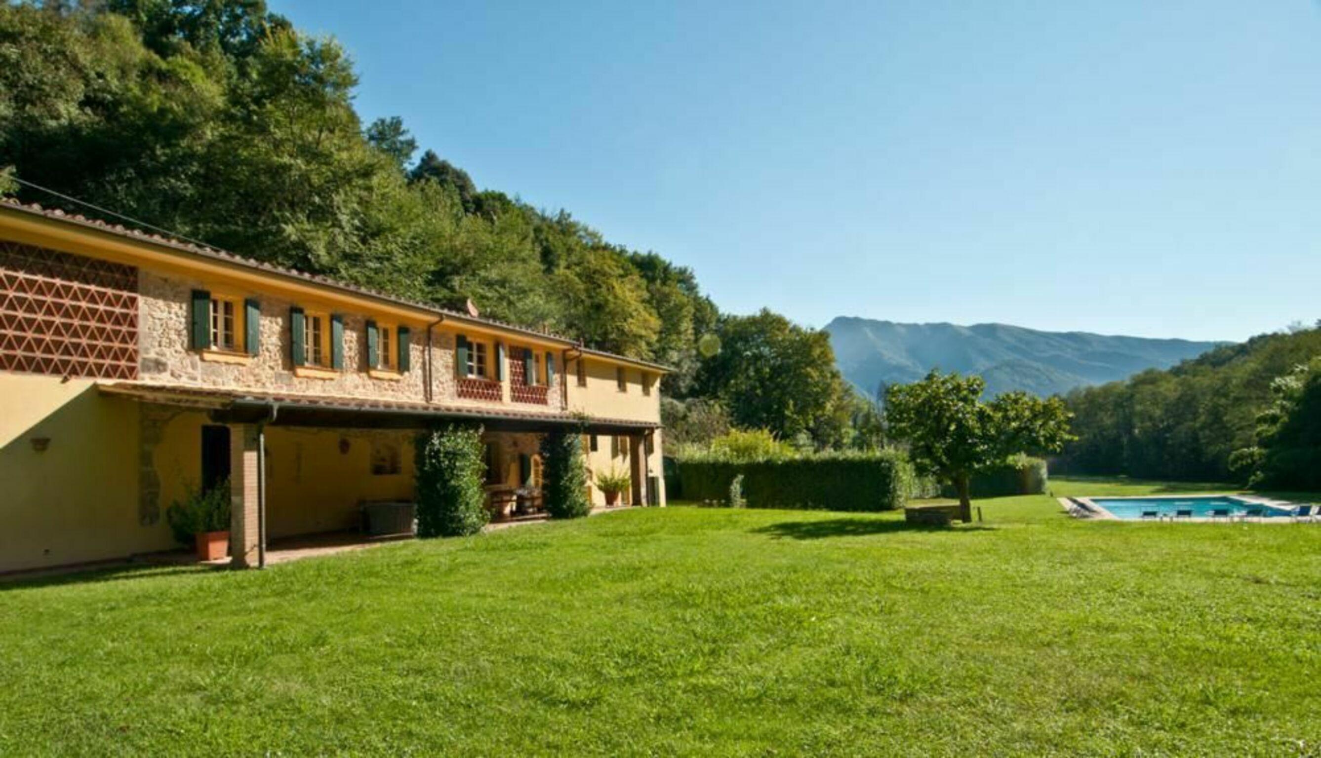 Camaiore, Italy Apartment #RU264676