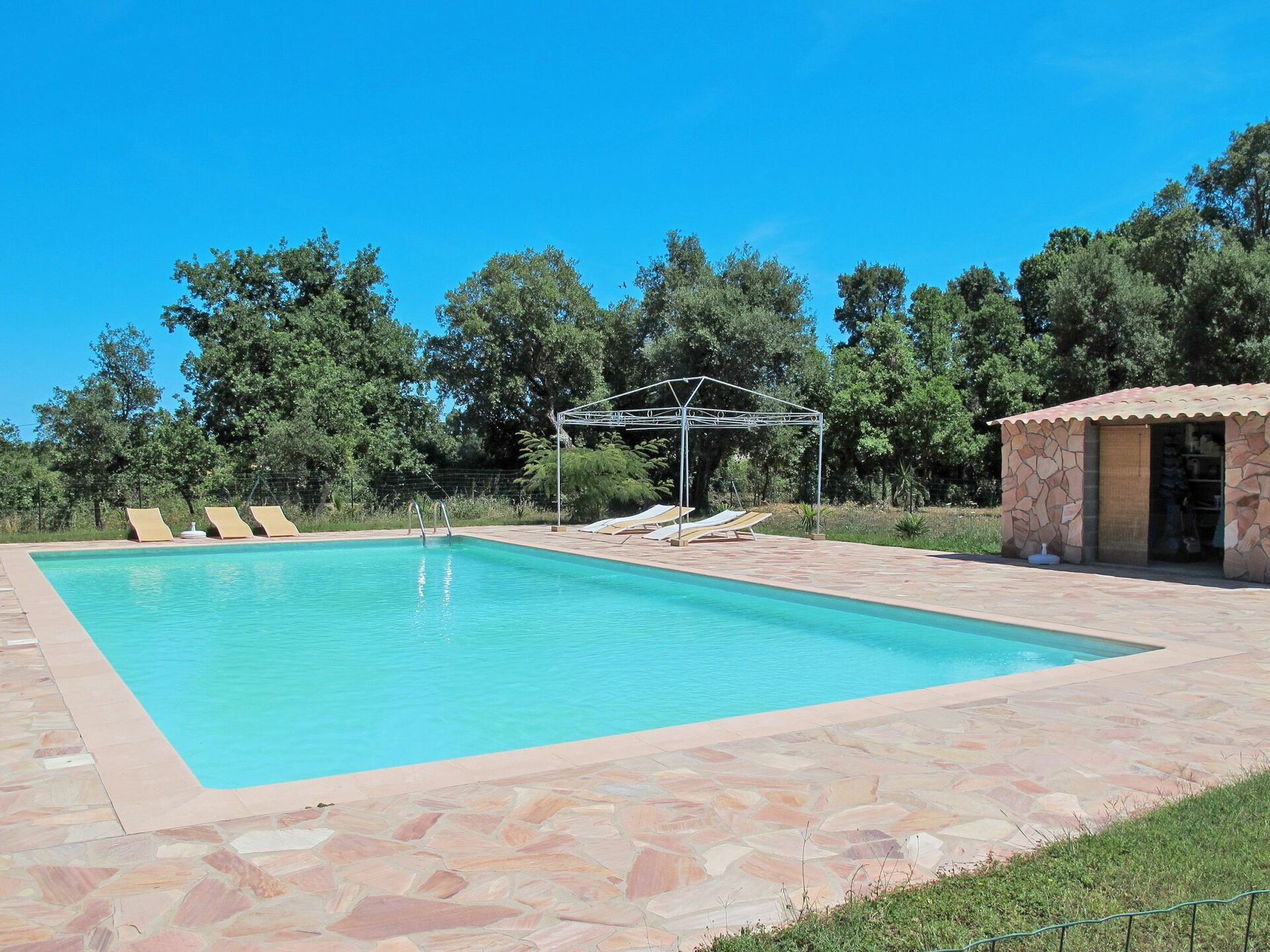 Ghisonaccia 628 Vacation Rental That Sleeps 16 People In 6 Bedrooms Located In Casa Moza Corsica France