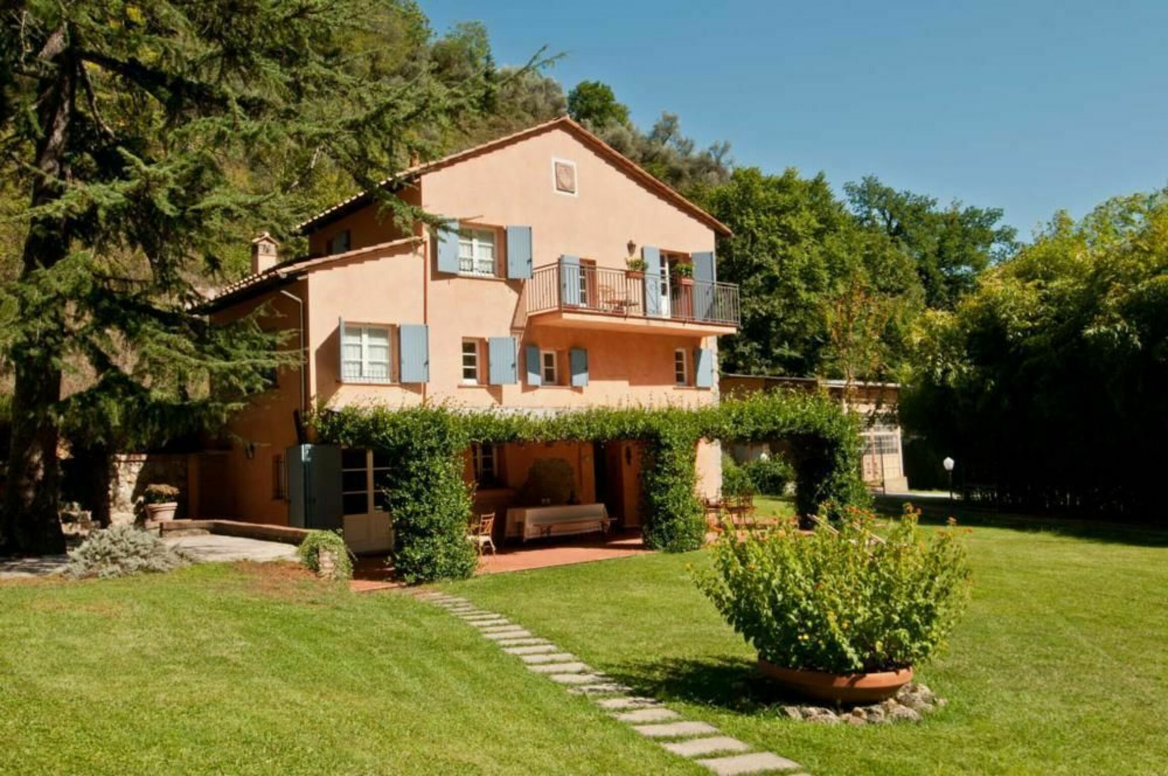 Camaiore, Italy Apartment #RU264698