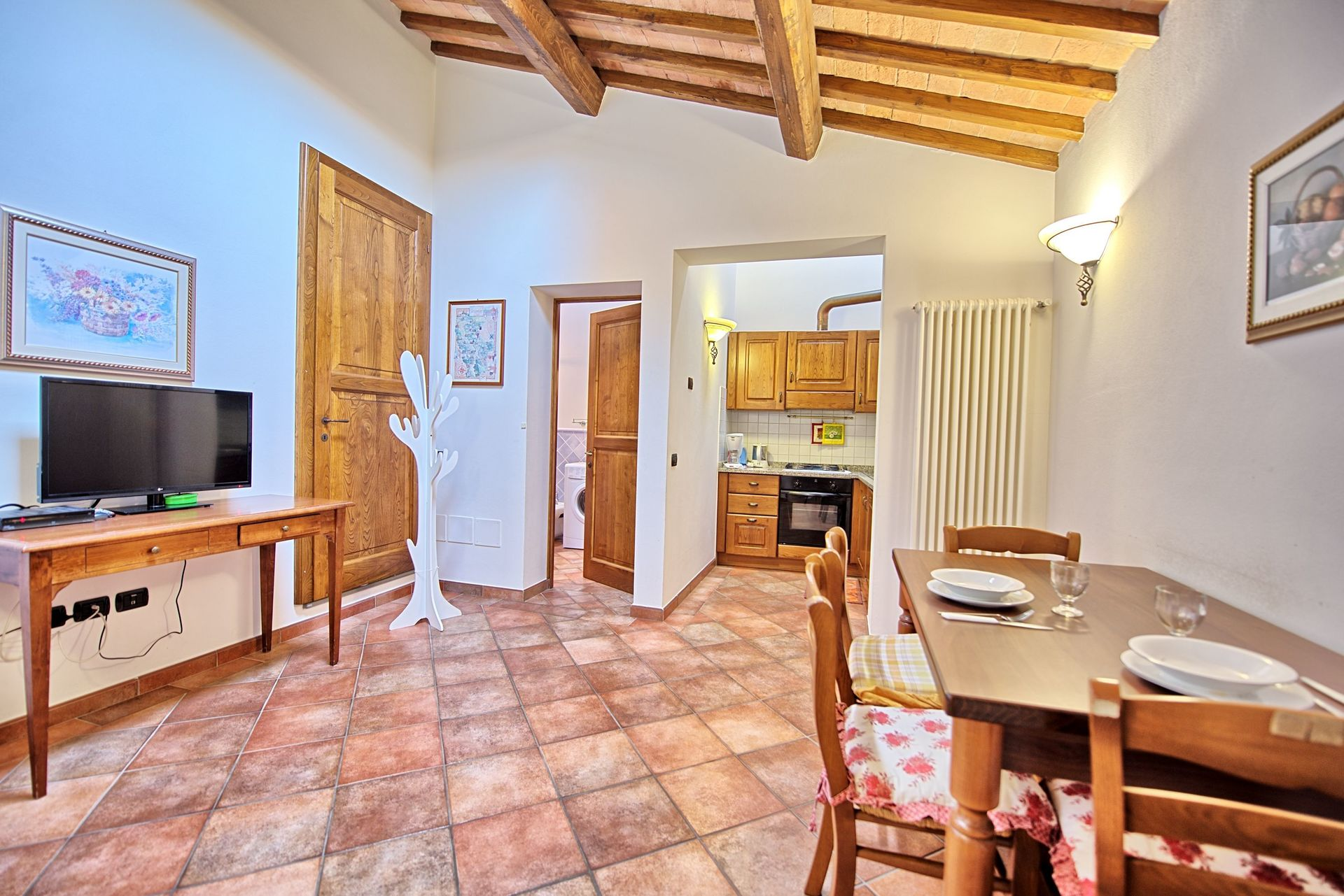 Beauty At Home Castelfiorentino certaldo: vacation rental that sleeps 10 people in 3